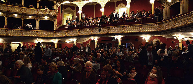 Ausverkaufte Oper Graz bei der Premiere des Familienmusicals GRIMM!